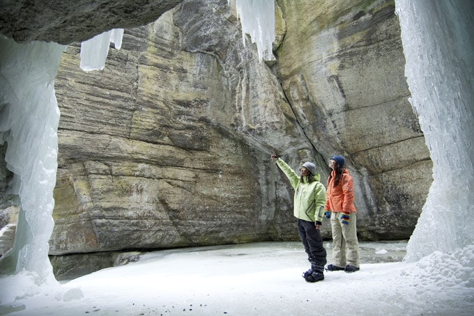 Maligne Canyon Icewalk