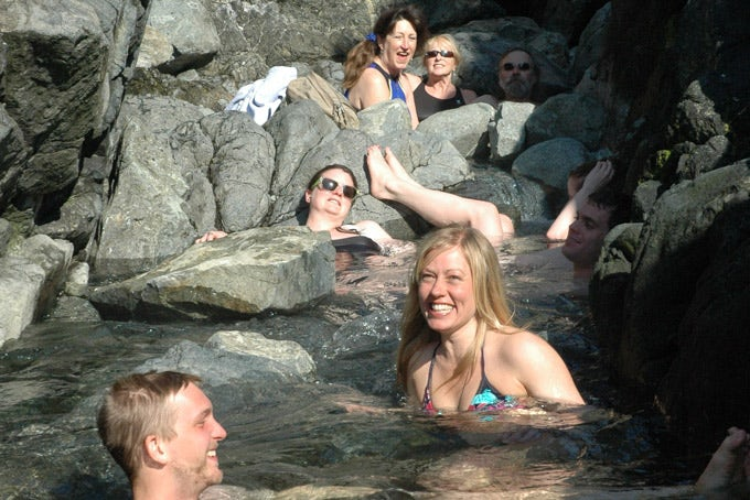 Hot Springs Explorer ab/bis Tofino