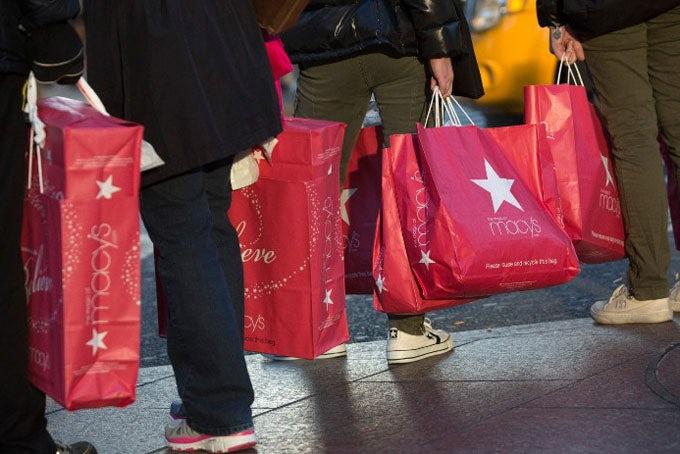 Special: Black Friday Shopping New York City