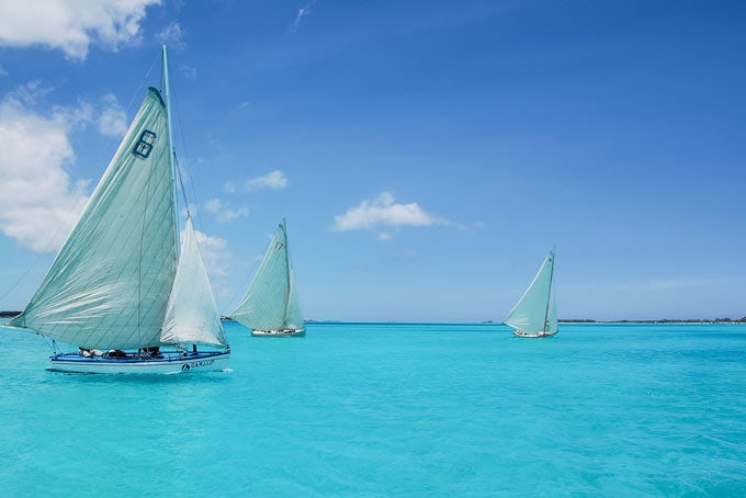 New Providence - Barefoot Sailing Adventure